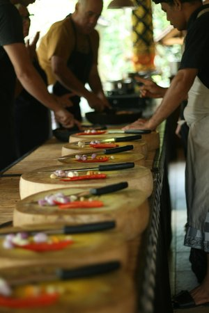 Lobong Culinary Experience: Chopping