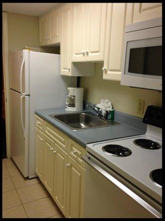 Sandy Beach Resort: kitchen