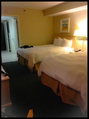 Sandy Beach Resort: bed room