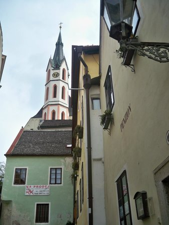 Historic Center of Cesky Krumlov : beautiful chapel located next to the hostel I was staying