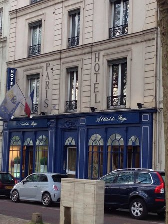 A l'Hotel des Roys : Front street view
