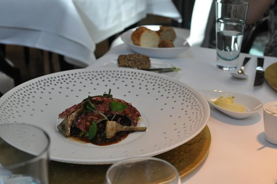 FACIL : ROCKOCTOPUS – ARTICHOKES, CHARCOAL OIL AND SAVORY