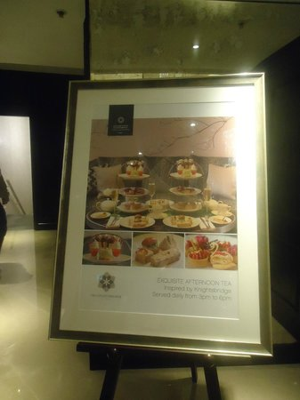 The Park Tower Knightsbridge, A Luxury Collection Hotel, London: Afternoon tea