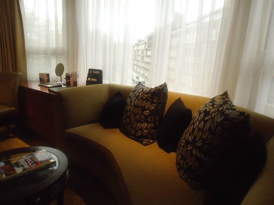 The Park Tower Knightsbridge, A Luxury Collection Hotel, London : Seating area