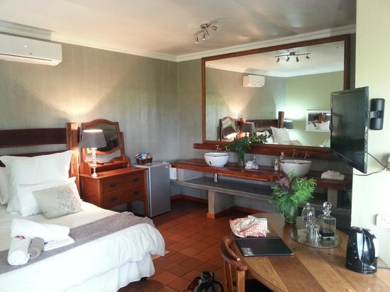 African Vineyard Hotel/Guesthouse, Wedding, Conference & Wellness SPA : Room
