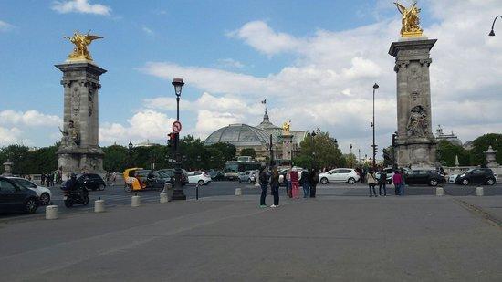 Pont Alexandre-III : ...