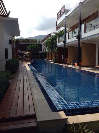 La Flora Resort Patong: Pool