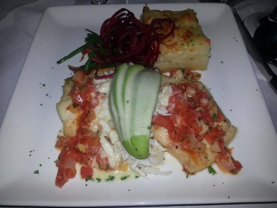 Rudy & Paco Restaurant & Bar : Red Snapper