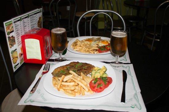 Café Bar Panamericana: Unos platos combinados de lujo, y a un precio de risa.