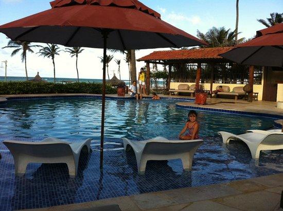 Rede Beach: Área da piscina e lounge