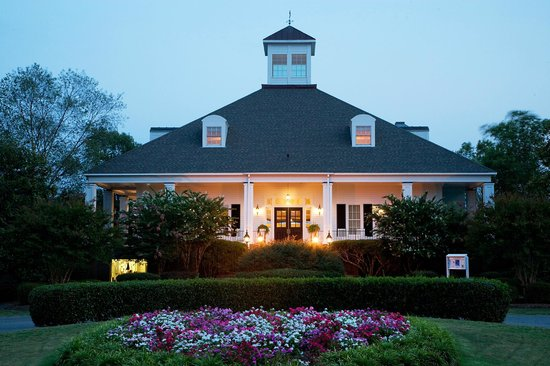 The Clubhouse Restaurant in evening.