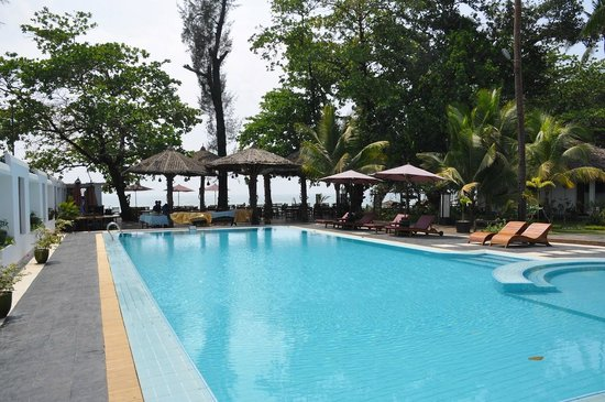 Thande Beach Hotel : Pool