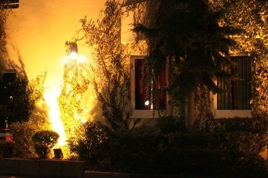 Hôtel Les Jardins d'Adalric : Scorcio della facciata dell'Hotel