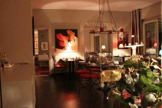 Hôtel Les Jardins d'Adalric : Sala colazione