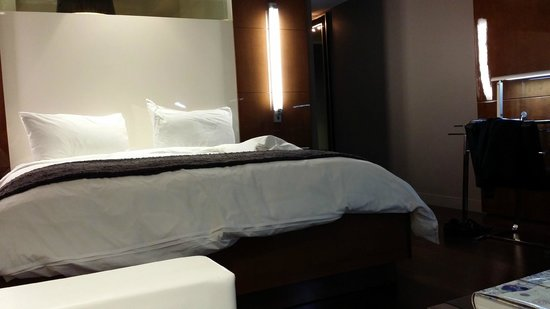 Hotel Beaux Arts Miami: Comfortable bedding