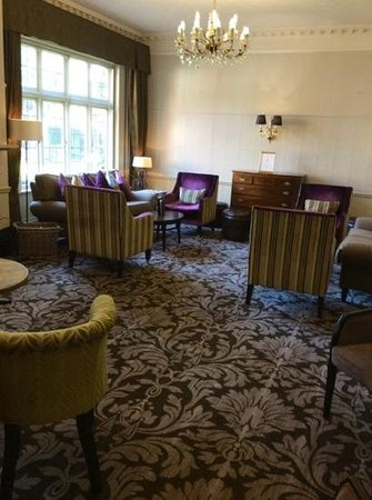 The Crown Manor House Hotel: one of the hotel lounges