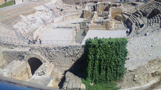 Amfiteatre: Anfiteatro romano