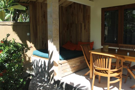 Coconut Dream Bungalows: Day bed