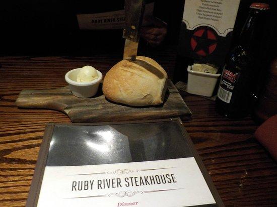 Ruby River Steakhouse: Warm Bread