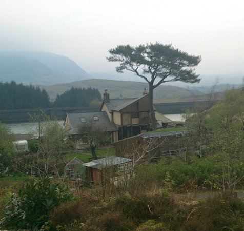 Bryn Elltyd eco Guest House: view from the back while on the train