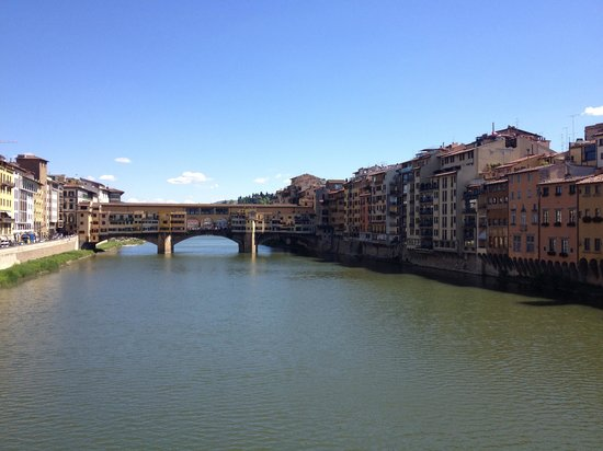 NH Firenze: Firenze and Arno river