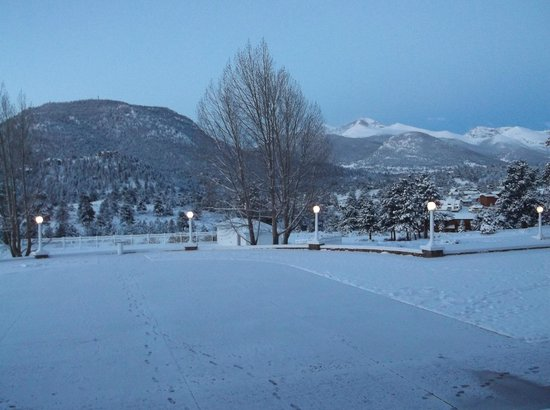 Stanley Hotel: Early morning