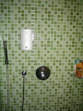 LE RABELAIS : Salle de bain