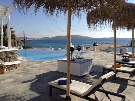 Olia Hotel: Poolside at Olia