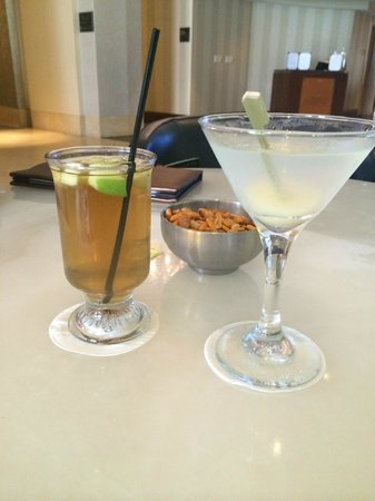The Gwen, a Luxury Collection Hotel, Chicago: Fantastic drinks await you at the bar