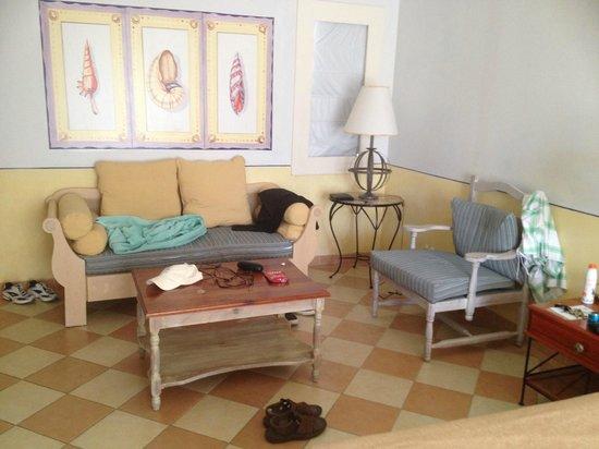Hotel Playa Pesquero Resort, Suite & SPA: Sitting area