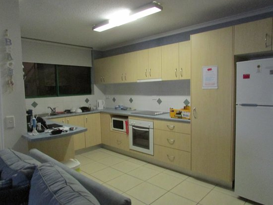 Headland Gardens Holiday Apartments Sunshine Coast: headland gdns kitchen