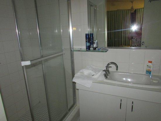 Headland Gardens Holiday Apartments Sunshine Coast : ensuite double room