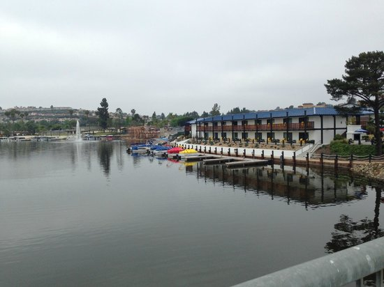 Lakehouse Hotel & Resort: View from the bridge on my morning jog