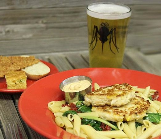 Amos Mosquito's Restaurant and Bar: Penne Pasta w/Crab Cakes