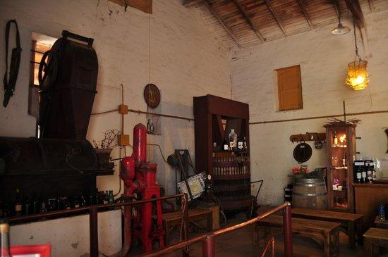 Bodega Familia Di Tommaso: 内観