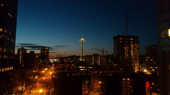 Warwick Seattle: Night view from Room 1101