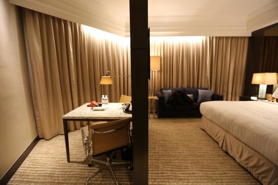 Singapore Marriott Tang Plaza Hotel: Room 1608