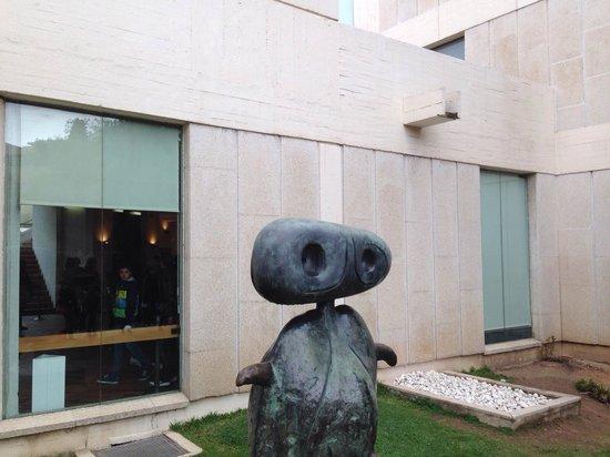 Fondation Joan Miró (Fundació Joan Miró) : Esterno.