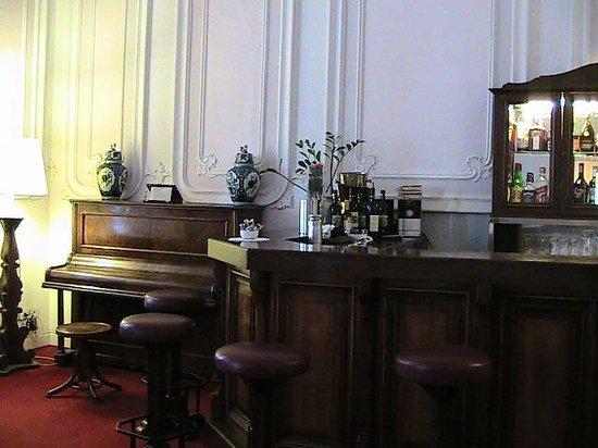 Villa Carlotta Hotel : piano bar