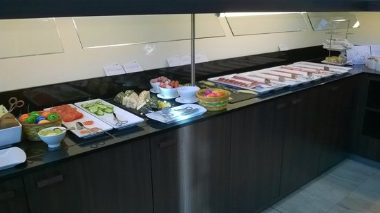 NH Collection Koln Mediapark: Breakfast buffet