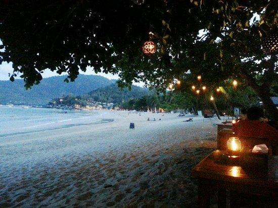 Thong Nai Pan Noi : Dinner time!