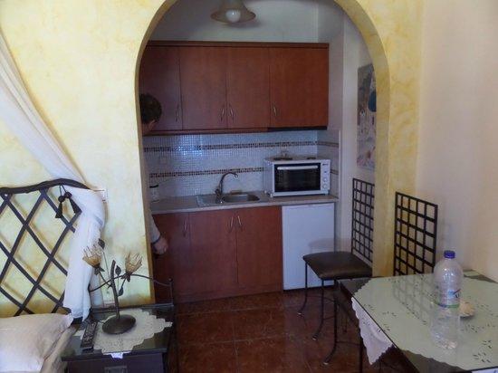 Nectarios Villa: Kitchen area