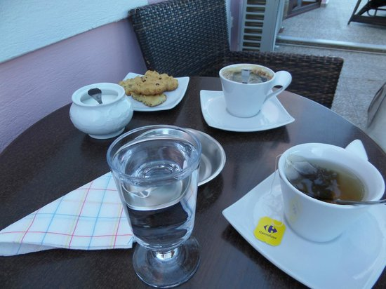 Nectarios Villa: Tea and homemade biscuits on arrival