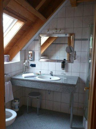 Halbersbacher. Hotel Annaberg: Bathroom - suite 30