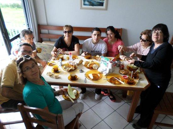 Pousada Favareto : El desayuno colectivo.