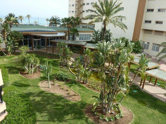 ClubHotel Riu Costa del Sol : l'entrée du Riu vue de la chambre 258