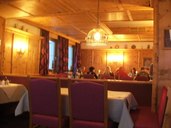 Hotel Angerer Alm: The dining room.