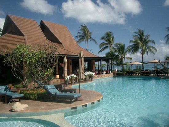 Bo Phut Resort & Spa: Pool und Restaurant