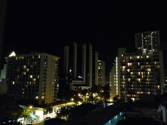 Aqua Waikiki Pearl: night view from balkony 9th floor