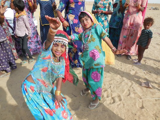 Thar Resort : Folk Dances